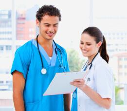 Nurses discussing